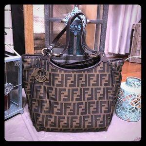 Vintage Fendi tote 100% Authentic